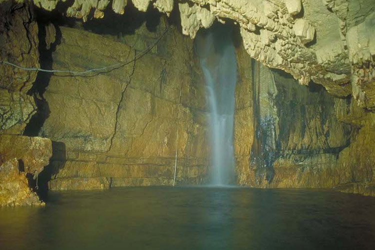 grotte-stiffe-ok.jpg