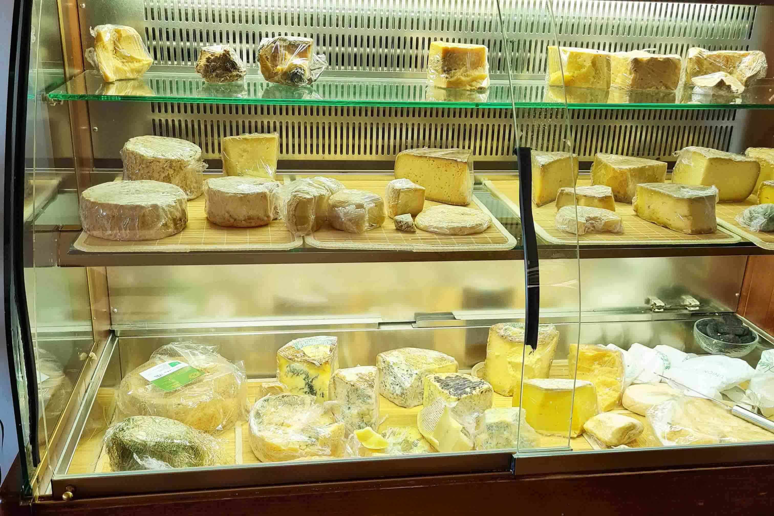 BANCO formaggi-ok.jpg